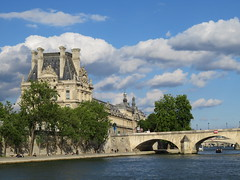 France - Paris - River Seine boat trip - Louvre (JulesFoto) Tags: france paris riverseine louvre