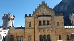 Castello di Neuschwanstein (marco_ask) Tags: meseagosto allaperto edificio architettura bastione xixsecolo baviera fssen schwangau germania neogotico ludovicoiidibaviera nuovapietradelcigno nuovaroccafortedelcigno roccaforte cigno conteadelcigno