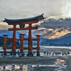 Ultimate_HDR_Camera_20160920_145325 (silvia.ghesini) Tags: japan giappone miyajiima summer travel sabbia crepuscolo onda calma sunset tramonto cielo nuvola dramatic sky clouds colorfulsunset beach nature landscape