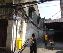 Bangkok streets_03 (ashabot) Tags: thailand seasia chinatown bangkok citylife citystreets streetscenes randomencounters worldcities