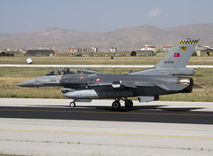 F-16D 86-0194 CLOFTING IMG_6151 (Chris Lofting) Tags: f16 konya lockheedmartin f16d turkishairforce cft 143filo 860194