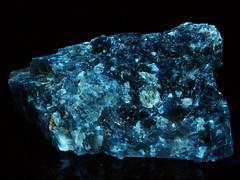 California Scheelite/Powellite on Calcite - UVa (someHerrings) Tags: california calcite tulare scheelite powellite