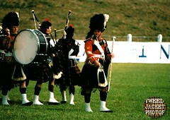 Pipe Band Christchurch 1988 V1.6-tweed jacket photos (The General Was Here !!!) Tags: christchurch scotland photo pix kilt 1988 scottish marching kiwi kilts 1980s piping drill pipers chanter pipeband drones kiwiana scottishmusic inuniform addingtonshowgrounds scottishmusichighlandmusic