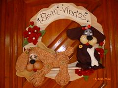 cachorrinhos na porta (RenataLaux) Tags: tecido guirlandas