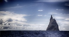 Ball's Pyramid Colour (Iksana Imagery) Tags: seastack lordhoweisland ballspyramid