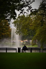 Lovers (Jessica Del Santo ) Tags: park holland love water fountain netherlands bench lovers breda erasmusss