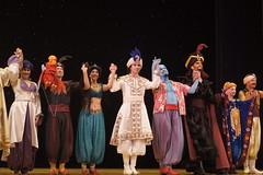 Cast of Disney's Aladdin in DCA (GMLSKIS) Tags: california carpet jasmine jafar disney amusementpark anaheim aladdin dca iago genie californiaadventure disneycaliforniaadventure disneysaladdin