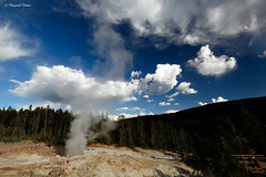 10ago2013_Norris-Mammoth_1912_FIX_red (Guestobal) Tags: wild usa nature beautiful canon montana colours unitedstates wildlife yellowstone wyoming geyser nationalparks norris nationalgeographic mammothhotsprings geothermic canonef1635mmf28liiusm mammot guestobal canoneos5dmkiii
