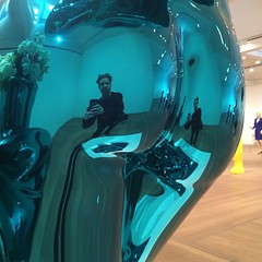 20150118 (Heinrock) Tags: blue sculpture selfportrait art ass museum square mirror venus sweden stockholm metallic butt bottom rump squareformat jeffkoons moderna rumps dnd365 iphoneography metallicvenus iphone5s
