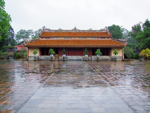 hue - vietnam 70