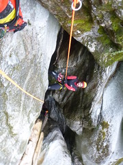 P1120416 (Mountain Sports Alpinschule) Tags: blue mountain sports lagoon canyoning zillertal zemmschlucht alpinschule