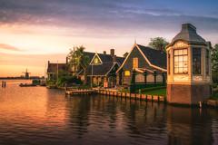 Sunset at the Zaan (miguel_lorente) Tags: windows sunset house water windmill amsterdam river garden landscape boat dock warm zaanseschans zaan
