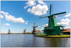 Zaanse Schans molen overzicht (voorhammr) Tags: gras zon zaanseschans zaandam molens 2016 vakwerk huisjes blauwelucht jolandakraus