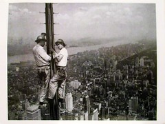 1509_NYC-workers on Empire State Building_Netherlands_Sophie54 (Kille.wips) Tags: new york nyc usa postcard