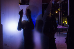 #09 Dimension (issaret.chalermsopone) Tags: street streetphoto streetphotography streetphotothailand thai thailand bangkok bkk et dimension mirror reflection light warp people everybodystreet streetphotocolor olympus olympusomd omd omdem10 zuiko zuiko17mm