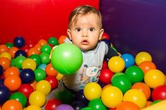 Quer? (Valria Peres) Tags: friends aniversario amigos cores fotografia infancia balada colorido piscinadebolinha fotografiainfantil