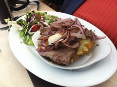 8016 Baked potato, beef and onions at the Trecastell Hotel (Andy panomaniacanonymous) Tags: 20160810 bakedpotatobeefandonions cymru photostream trecastellhotel wales ynysmon meat mmm