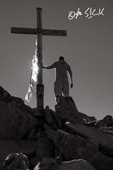 Reach the Top (be S!CK) Tags: stubaiergletscher stubaital schwarz weis black white monochrom austria sterreich summit gipfel kreuz berg mountain