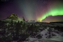 Aurora in Northern-Norway (Kenneth Solfjeld) Tags: aurora borealis norway norge northernnorway nordnorge nordland ofoten tysfjord winter sky ionosphere ionosfre ionosfren solar solarstorm solstorm fjell electrically charged particles oxygen nitrogen magnetic pole gaseous molecules high altitude