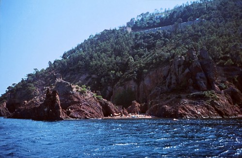 "106F Massif de l'Esterel • <a style=""font-size:0.8em;"" href=""http://www.flickr.com/photos/69570948@N04/15756420958/"" target=""_blank"">View on Flickr</a>"