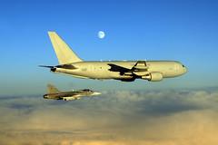 moon aerial aar tanker b767 refueling gripen