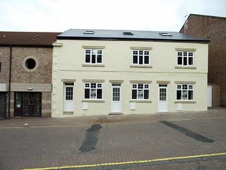 JB10-085 former half way house pub felling 2010