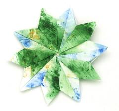 Fujimoto pentagon Rosette 34 front (Pliages et vagabondages) Tags: star origami rosette pentagon décoration déco étoile fujimoto pentagone