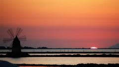 Un cielo senza nuvole - [Explore 06/01/2015 n.26] (encantadissima) Tags: tramonto saline sicilia trapani marsala mulini pinodaniele massimotroisi 1000faves imitisiriuniscono emozionisullapelle