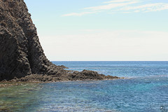 Piedras en el parque. (elojeador) Tags: parque mar agua playa sanjosé roca acantilado piedra parquenatural monsul playademonsul parquenaturaldecabodegata elojeador
