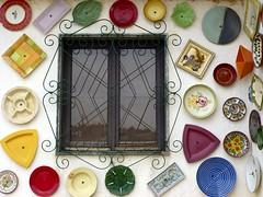 Ventana de la Pottery de Raposeira (John LaMotte) Tags: ventana window janela infinitexposure algarve portugal ilustrarportugal