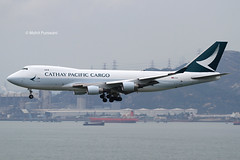 Cathay Pacific Cargo (CX/CPA) / 747-467ERF(SCD) / B-LIC / 05-08-2016 / HKG (Mohit Purswani) Tags: canon photography hongkong aircraft transport flight cx landing 7d planes boeing arrival airlines boeing747 hkg 747 jumbojet spotting jumbo skydeck b747 747400 canon100400 observationdeck clk cathaypacific widebody newscheme planespotting boeing747400 cheklapkok cpa aviaton hkia commercialaviation airlinersnet hongkongsar 100400 civilaviation b744 hongkonginternationalairport airfreight aircargo cheklapkokairport cathaypacificcargo aviationphotography vhhh demandmedia 25r blic boeing747400erf canon7d 747400erf widebodyaircraft ahkgap