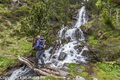 Riu del Coms Vell, Principat d'Andorra (kike.matas) Tags: canoneos6d kikematas canonef1635f28liiusm riudelcomsvell ordino andorra andorre principatdandorra pirineos paisaje agua cascada puente camino montaa bosque nature canon lightroom4
