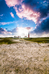 Sunset on Texel. The Netherlands (Fotografie Etienne Hessels) Tags: sunset sea sky cloud sun lighthouse holland beach netherlands dutch field clouds landscape photography gold vakantie seaside wadden waddeneiland flickr fotografie outdoor weekend sony ngc group nederland award zee national shore april wad etienne duinen vuurtoren geographic texel eiland dutchlandscape a77 hessels 2016 cocksdorp sigma1020 natuurfotografie wonderfulholland vuurtoten landscapelovers sonyflickraward a77m2 sonya77ii fotografieetiennehessels