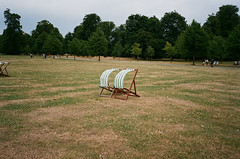 Untitled (Christoph Hofbauer) Tags: olympus mju2 kodak portra 160 london kensington garden chair wind outdoor analog film 35mm