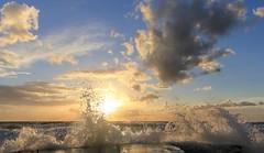 sunset splash (Marcus Rahm) Tags: sunset sea summer sky sun holiday seascape beach water clouds strand landscape seaside meer wasser waves sonnenuntergang sommer urlaub norden wolken balticsea summertime ufer landschaft ostsee ferien ahrenshoop kste wellen mecklenburgvorpommern norddeutschland hohesufer fischlanddarszingst