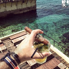 Beautiful place, and a #mojito that matches quite nicely this #ClubAllones  Cheers folks!  (steven_cigale) Tags: cigar cigare cigarlife cigaraficionado cigarporn cigars cigares cigarlover amateurdecigare     zigarre cigarsmoking luxury cigarsmokingmodel p1p2c cigarsmoker cigarians botl aficionado cigaroftheday