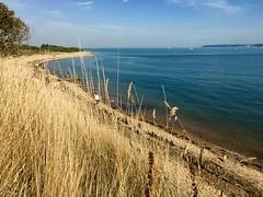 Lepe, Hampshire (imcountingufoz) Tags: southcoast coastline coast nature uk seaside sea sky cliff grass hampshire lepe beach