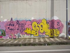 stw39cat (Fresko e Stupido) Tags: pink blue yellow wall graffiti soap wizard fresh mg stupid characters 2am cosmic rt hv 2014 kdk ccy jidder