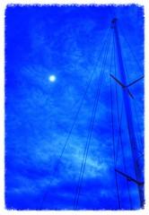Bleu, bleu le ciel ..... (Charlottess) Tags: paca bleu mat nuit alpesmaritimes provencealpescôtedazur