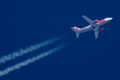 Jet2 Boeing 737-377 G-CELS (Thames Air) Tags: jet2 boeing 737377 gcels contrails telescope dobsonian overhead vapour trail