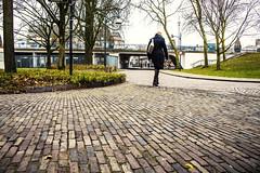 Dame aan de wandel (v_rijswijk) Tags: street urban woman pov streetphotography