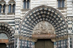 Genova, Duomo (diocrio) Tags: italy italia catedral genova duomo xe2