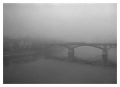Wettsteinbrücke im Nebel (dongga BS) Tags: nebel basel brücke morgens konicahexar wettsteinbrücke spürisinncameraclassic spürsinnhcd3