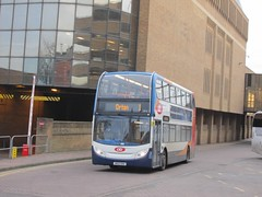 Stagecoach East 10010 AE12CKA Queensgate Bus Stn, Peterborough on 1 (1024x768) (dearingbuspix) Tags: stagecoach citi 10010 stagecoacheast peterboroughciti ae12cka