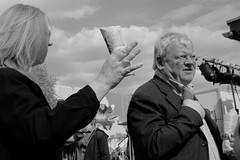 StreetFood Market Trier 2016 DSCF7437ir (Denkrahm) Tags: people food festival germany market denkrahm grumpy trier elderlypeople elderlycouple fujix70 fujifilmx70 streetfoodmarkettrier