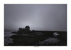 Eilean Donan Castel (1) (chewyco69) Tags: fog dark scotland chateau brouillard eileandonan castel ecosse dornie