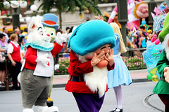IMG_2853 (crosemoo) Tags: white snow boys beauty lost mouse happy frozen bell peterpan disney mickey disneyworld seven merida chip beast brave minnie elsa tinker tangled bashful dwarfs repunzel festivaloffantasy