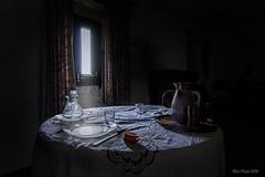 Good apettite (Trumfa) Tags: house window table ventana casa none interior finestra inside mesa urbex taula