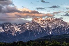 Karwendel Sunset (MC-80) Tags: sunset mountain alps germany deutschland sonnenuntergang alpen sunsetlight alpenglow karwendel alpenglhen alpineglow karwendelgebirge geroldsee