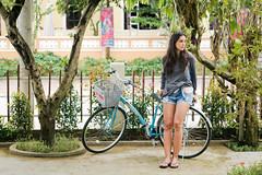 Hi An, Vietnam (Pedro Monteiro Palma) Tags: trip portrait people woman bicycle pessoa pessoas women holidays asia retrato mulher frias bicicleta vietnam viagem vietname canon550d